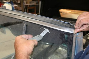2.The mobile glass guy has several specialized tools to get the job done. The stainless trim would get bent with the quickness if you tried to pull it without this little hook.