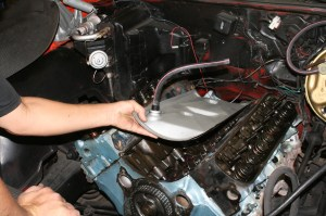 4.The valley pan cover needs to be saved for reuse; the package kit does not come with gaskets and specialty parts.