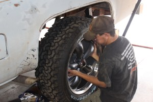 29.Next, the big wheels and tires were mounted to the back of the truck.