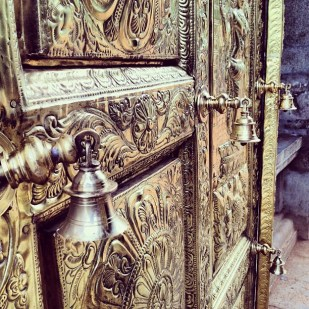Marudhamalai temple - streettrotter - golden gate