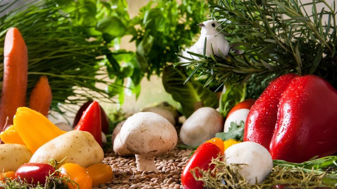 zdrowe warzywa i owoce z ogrodu
