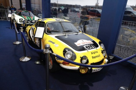 Alpine A110 и Lancia Stratos в экспозиции на входе в Зал славы ФИА