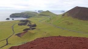 Blick vom Eldfell Richtung Südwesten (rechts Helgafell)