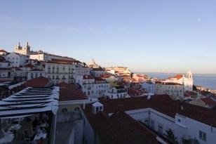 Abendblick vom Largo Portas do Sol