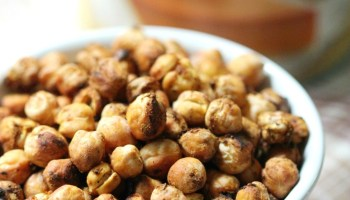 Roasted Smoked Paprika Cinnamon Chickpeas (Oil-Free)