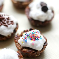 2-Ingredient No-Bake Cupcakes
