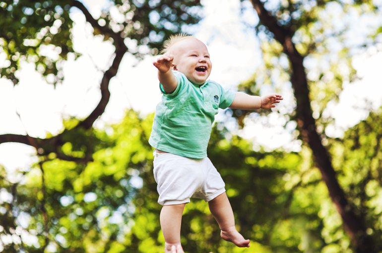 baby-bezaubernd-draussen-294173