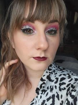 Cruella Makeup look. White and polka dots, red lips