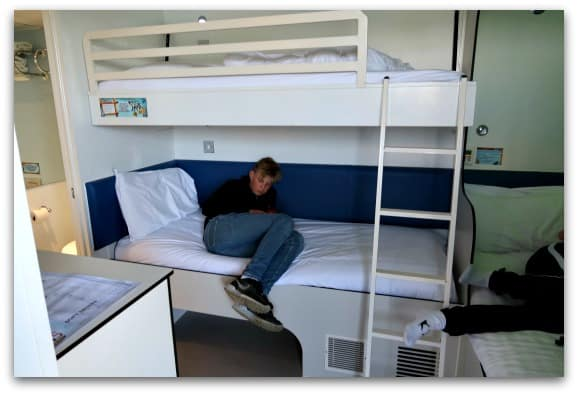 Each room at the Shark Hotel Thorpe Park can accommodate upto four people with a double bed and two bunk beds