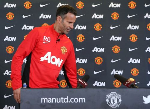 giggs-conference-a_2892934k