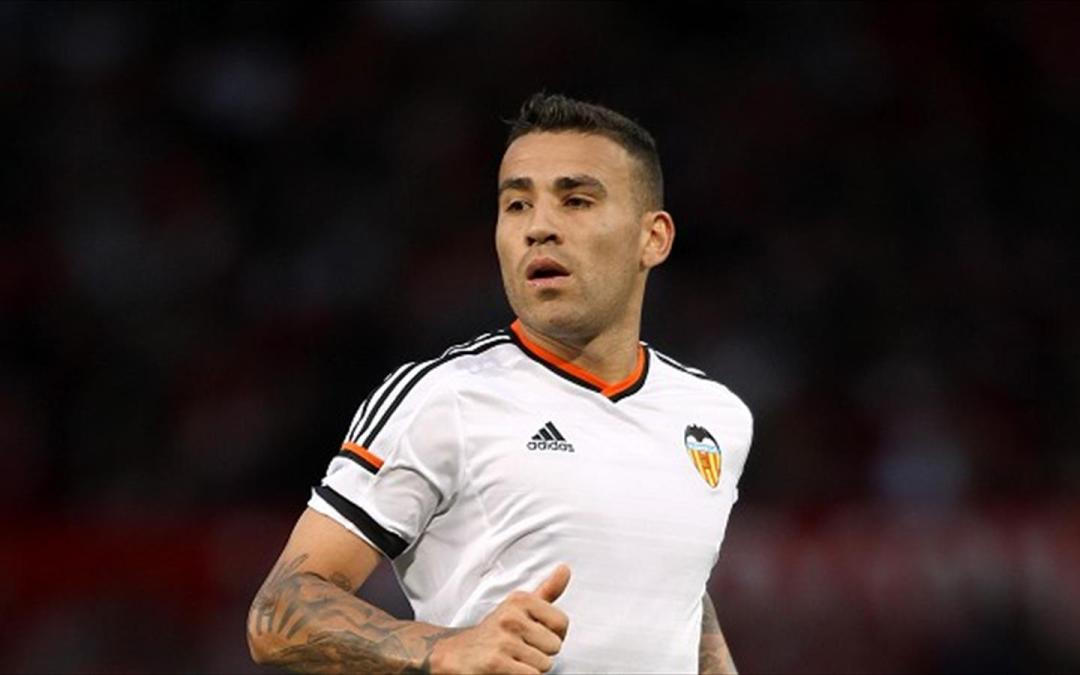 Why Nicolas Otamendi is the key to success in a chaotic United back four