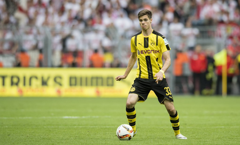SN Reads: Julian Weigl seen as Michael Carrick's replacement + more