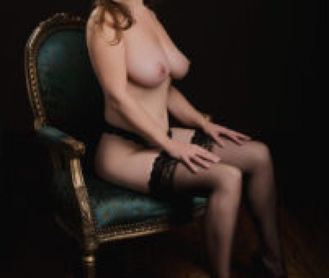Glamour Photogrpahy Elegant Nude On Chair