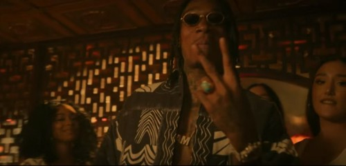 New-Video-Wiz-Khalifa-Rolling-Papers-2