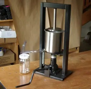 1/2 Gallon Strictly Medicinal Kitchen Press, 2 Tons, Spring-Loaded Return