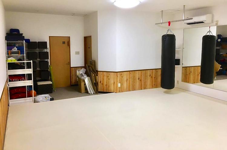 格闘技マット、レスリングマット、体操用マットの緩衝材を加工販売