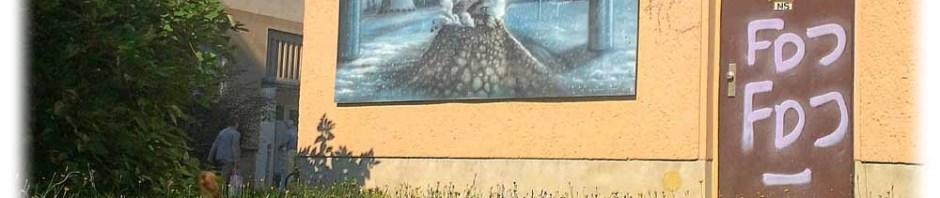 Der Schlammvulkan bricht aus: Graffiti auf Drewag-Häuschen nahe dem Seidnitz-Center. Foto: Heiko Weckbrodt