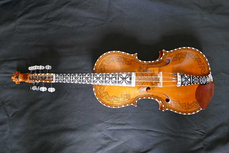 Hardanger fiddle, photo by Arne Anderdal