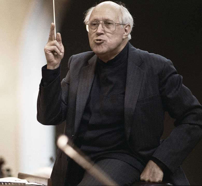 rian_archive_23517_us_national_symphony_orchestra_conductor_mstislav_rostropovich