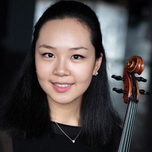 Violist Beatrice Chen