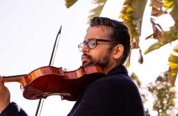 Violinist Vijay Gupta playing his violin