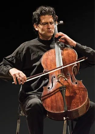 Amit-Peled-playing-the-Casals-Goffriller_large[1]