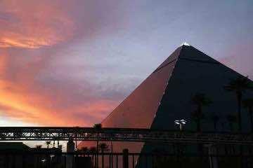 Hotel Luxor
