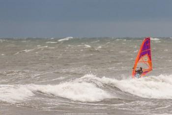 Händelsen:Gislövs-hammar, hårda östliga vindar samlar folk från hela europa för att vindsurfa under dom fantastiska förhållandena som råder just nu.