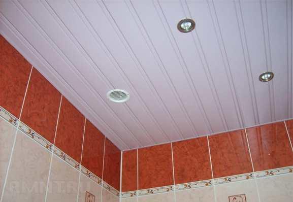 Отделка потолков в ванной комнате