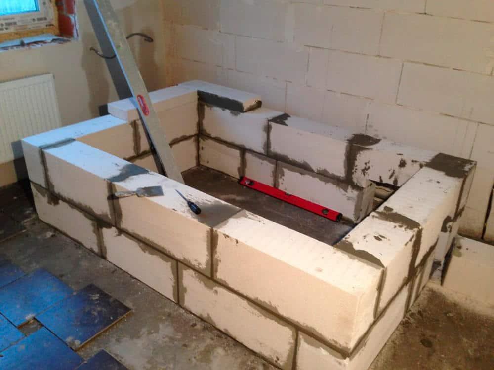 ก่อสร้างอ่างอาบน้ำอิฐ