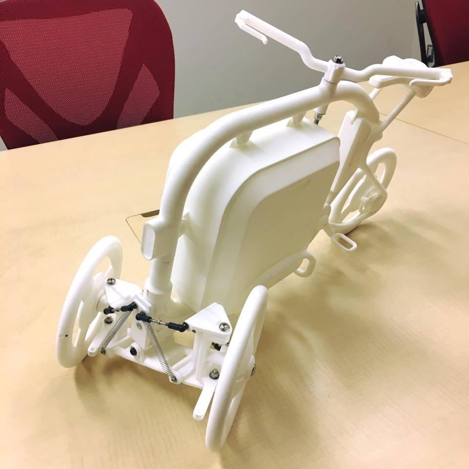 STROKEカーゴトライク(3輪カーゴバイク)の1/3スケールのミニチュアモデル02