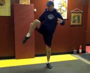 Gary doing side knees