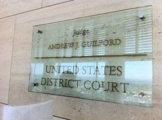 (25/jul) Alunos visitaram a corte americana e tiveram a oportunidade de conversar com o juiz federal Andrew J. Guilford que discutiu com o grupo uma sentença e apresentou ao grupo as salas da corte.