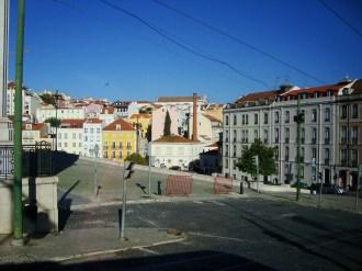 (07/10) Tour pelo centro antigo de Lisboa e uma foto com a vista da Cidade tendo ao fundo o Rio Tejo