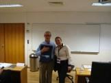 "(07/10) Entrega de brinde da Strong ao Prof. Dr. josé Rolo, da disciplina ""O contexto dos Negócios na União Européia"""
