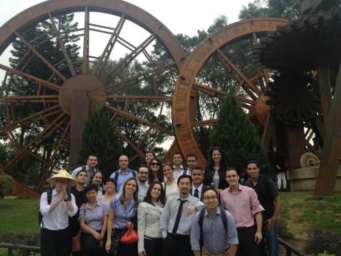 (13-11) O grupo se despede da cidade de Shenzhen e retorna a Hong Kong.