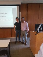 Aluno Rafale Brandão agradeecdno o Prof. Rajan Daniels (1)