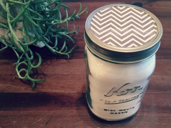 diy gift mason jar with bath salt