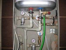 Zakačite grijač tople vode