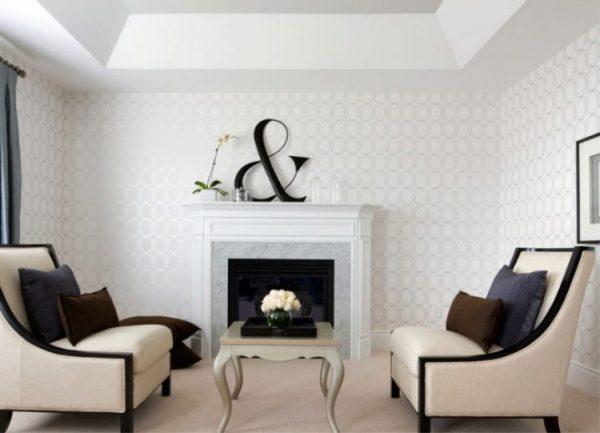 Белые обои (79 фото): в интерьере гостиной с серебристым ...