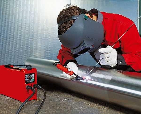 焊接半自动工作简单,烹饪良好薄型和有色金属。