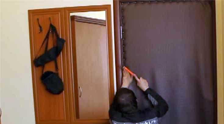 Как обшить углы двери дермантином видео — photo 14