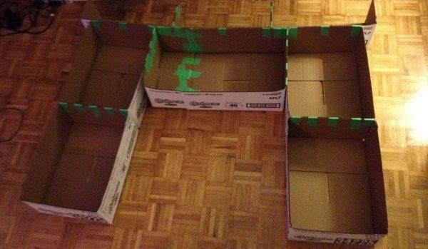 Przyklej pudełka ze szkocką z tyłu