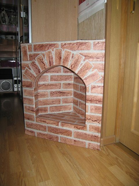 Simple in the manufacture of an angle fireplace