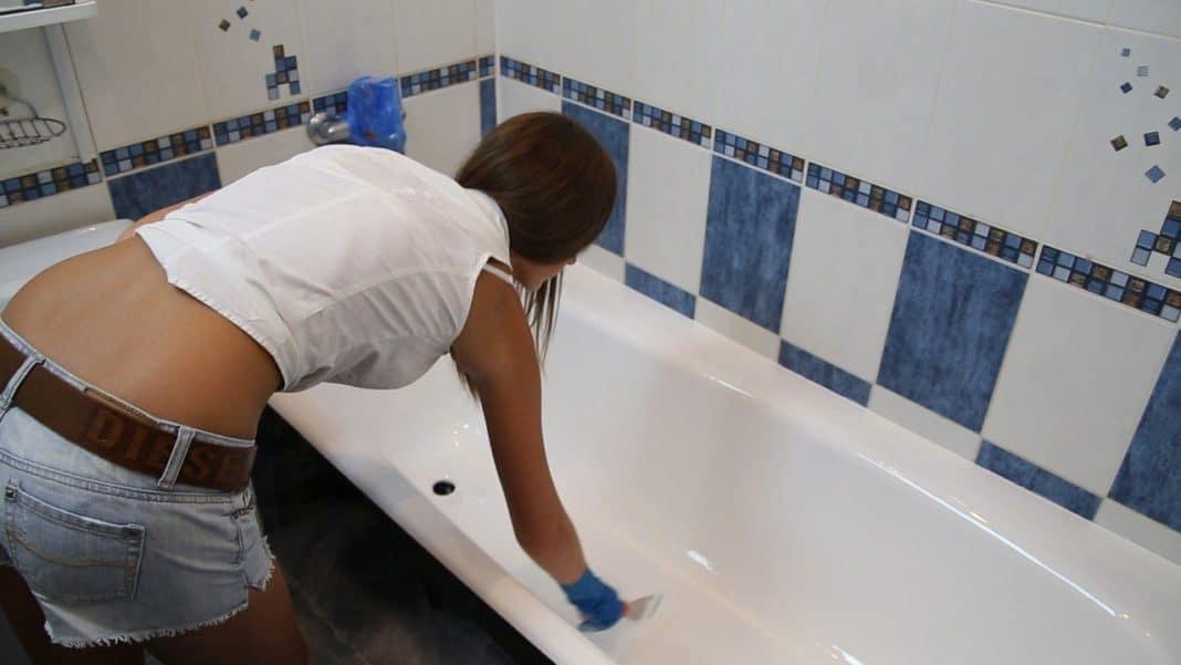 διανομή ακρυλικού στο κάτω μέρος του μπάνιου