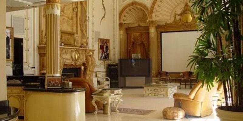 Shah Rukh Khan Mannat Living Room S House Photos Price Interior More Shah  Rukh Khan Mannat