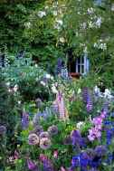01 stunning small cottage garden ideas for backyard inspiration