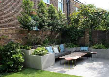 08 small courtyard garden with seating area design ideas
