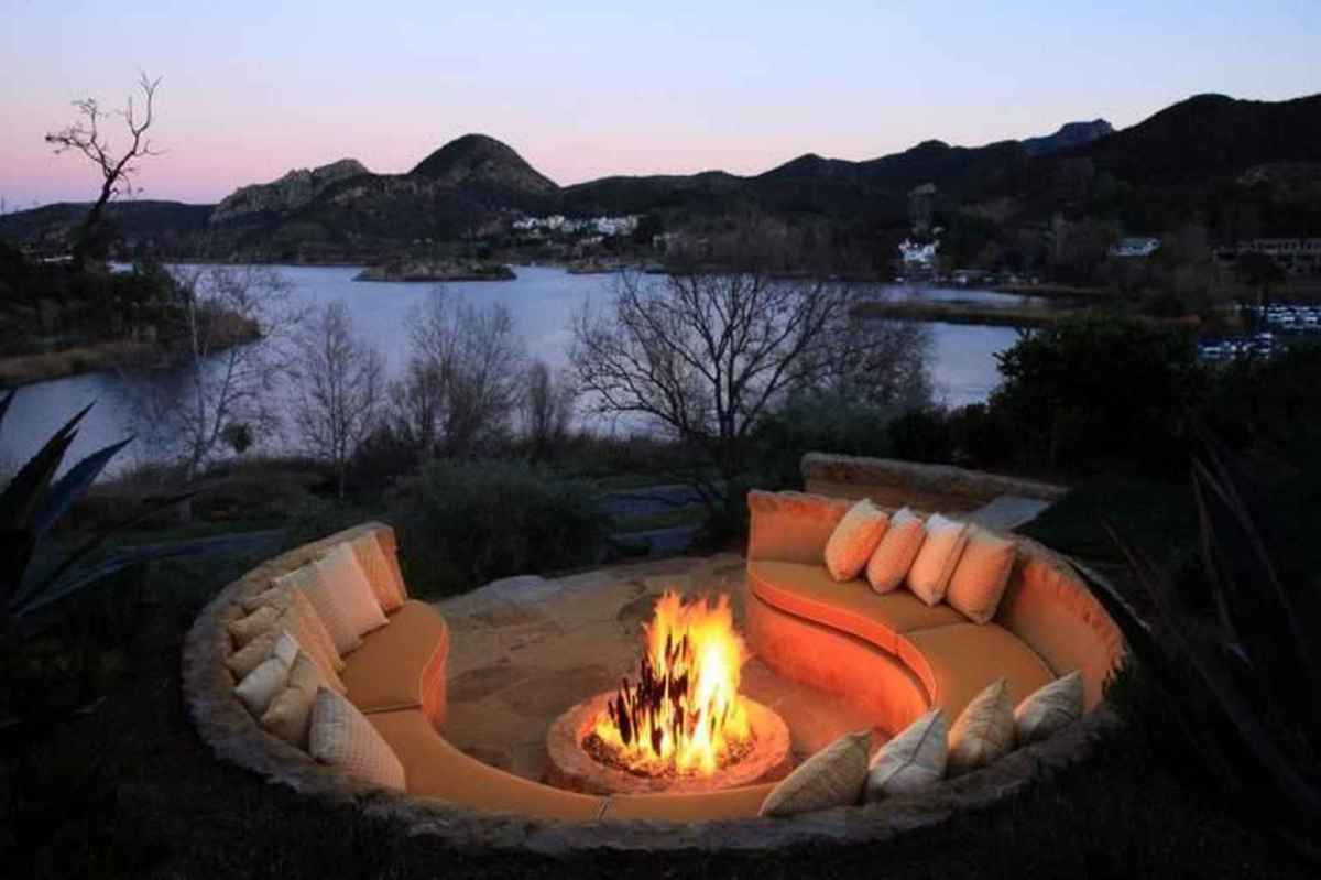 25 cozy outdoor fire pit seating design ideas for backyard