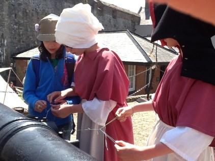 fingerloop weaving
